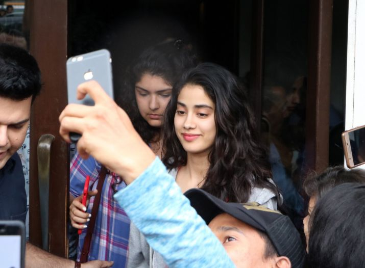India Tv - Janhvi Kapoor on a lunch date with sister Anshula