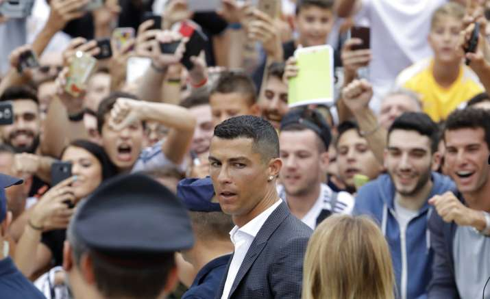 India Tv - Ronaldo meets and greets his new fans