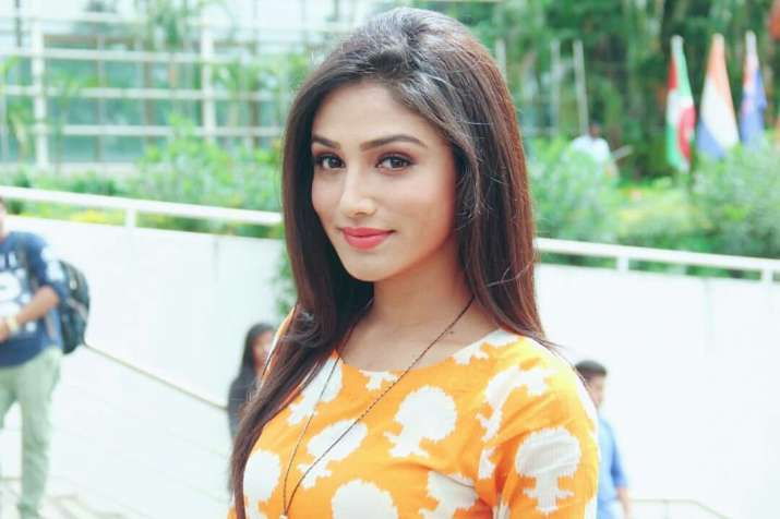 Donal Bisht bags the lead role in Roop