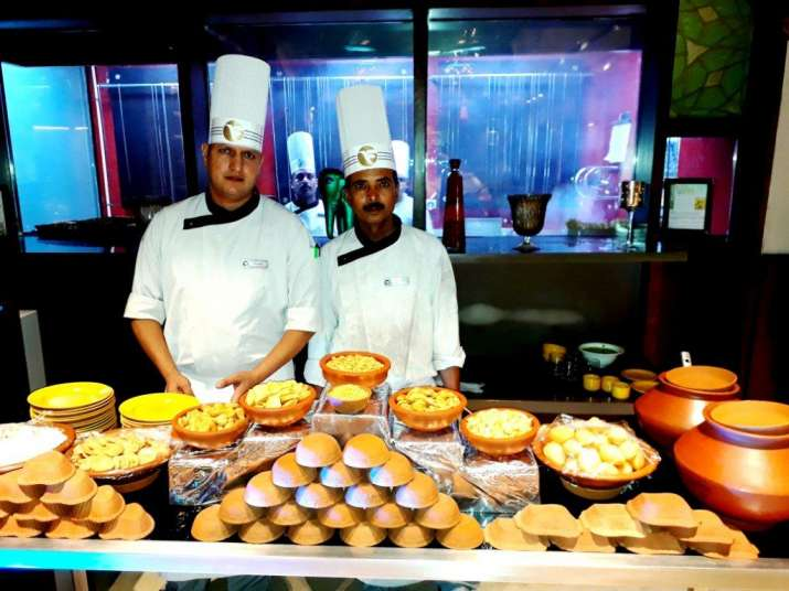 India Tv - The master chef offered delicious chaat at theRajasthani Food Festival