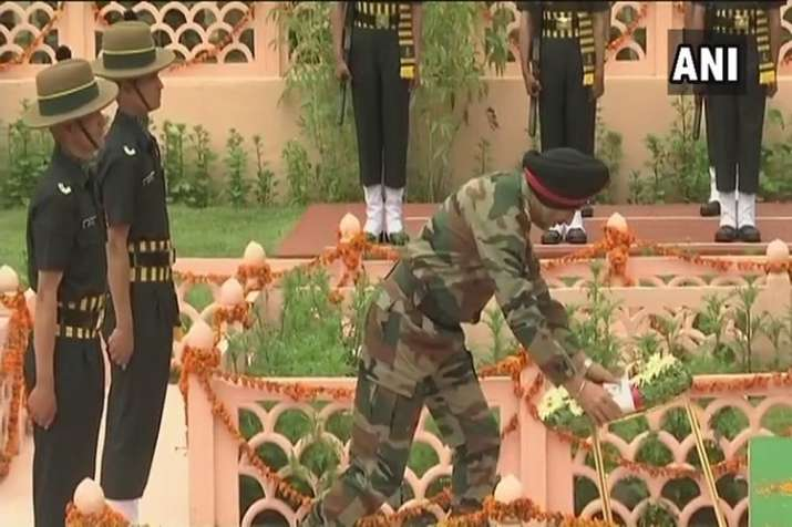 India Tv - Homage paid to martyrs on Kargil Vijay Diwas