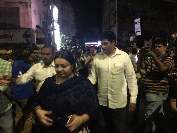India Tv - J Deepa reaches Kauvery hospital as Karunanidhi's health is reported to be critical
