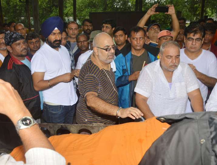 India Tv - Kavi Kumar Azad funeral