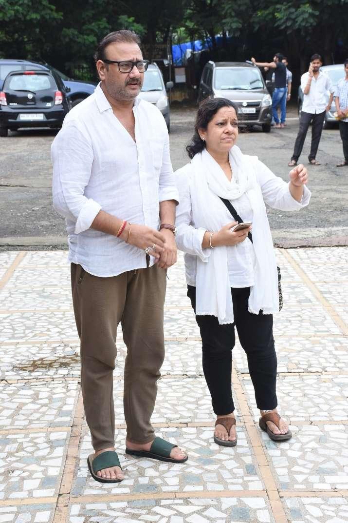 India Tv - Celebs attend Rita Bhaduri funeral