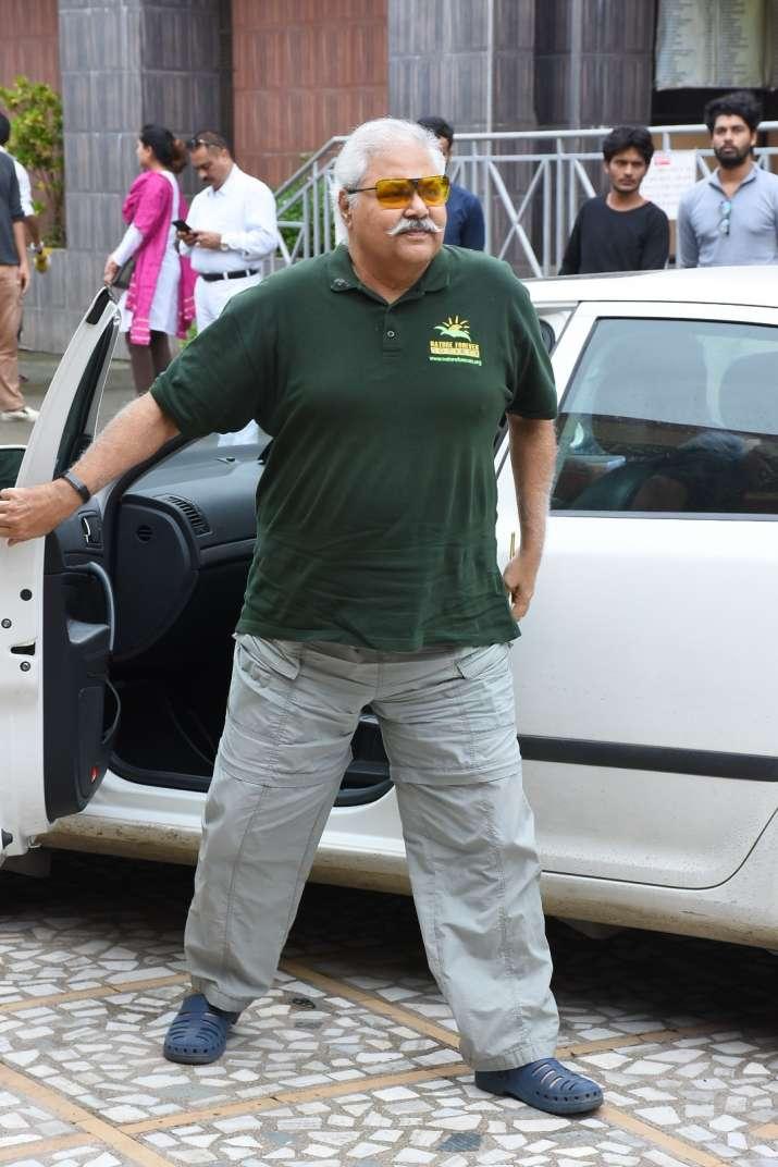 India Tv - Satish Shah atRita Bhaduri funeral