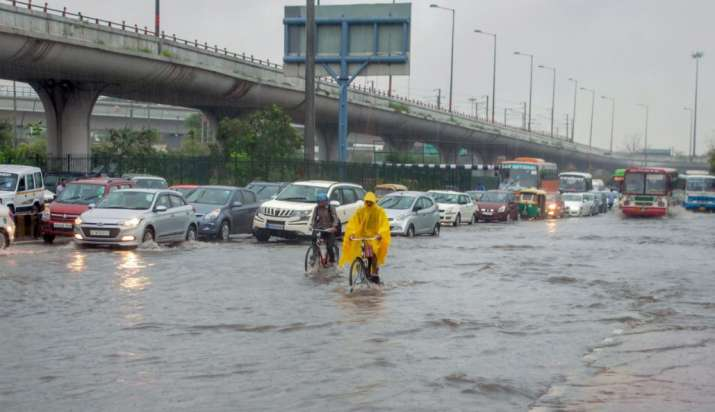 India Tv - Svere waterlogging in Noida