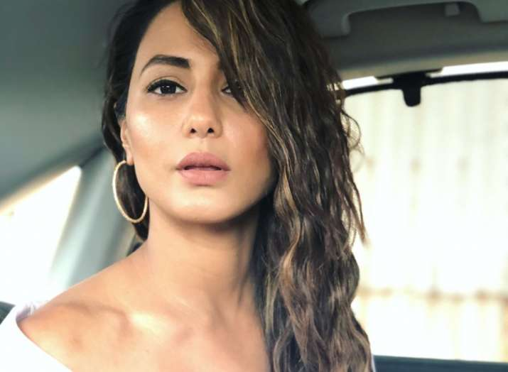 Netizens Didn T Approve Of Hina Khan S Outfit Yet Again Declared It