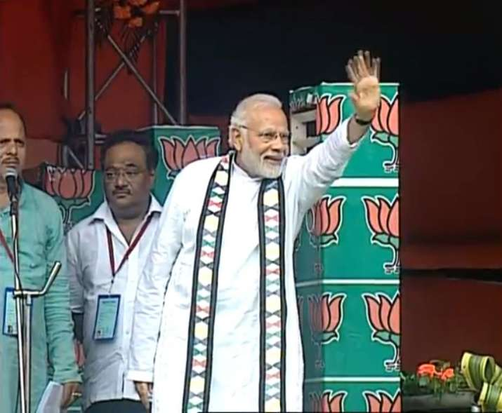 India Tv - PM Modi addresses farmers' rally in West Midnapore, West Bengal.