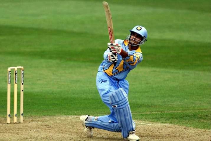 India Tv - Sourav Ganguly tormenting Sri Lanka in 1999 World Cup.