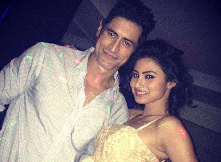 Girl mouni roy dating mohit raina