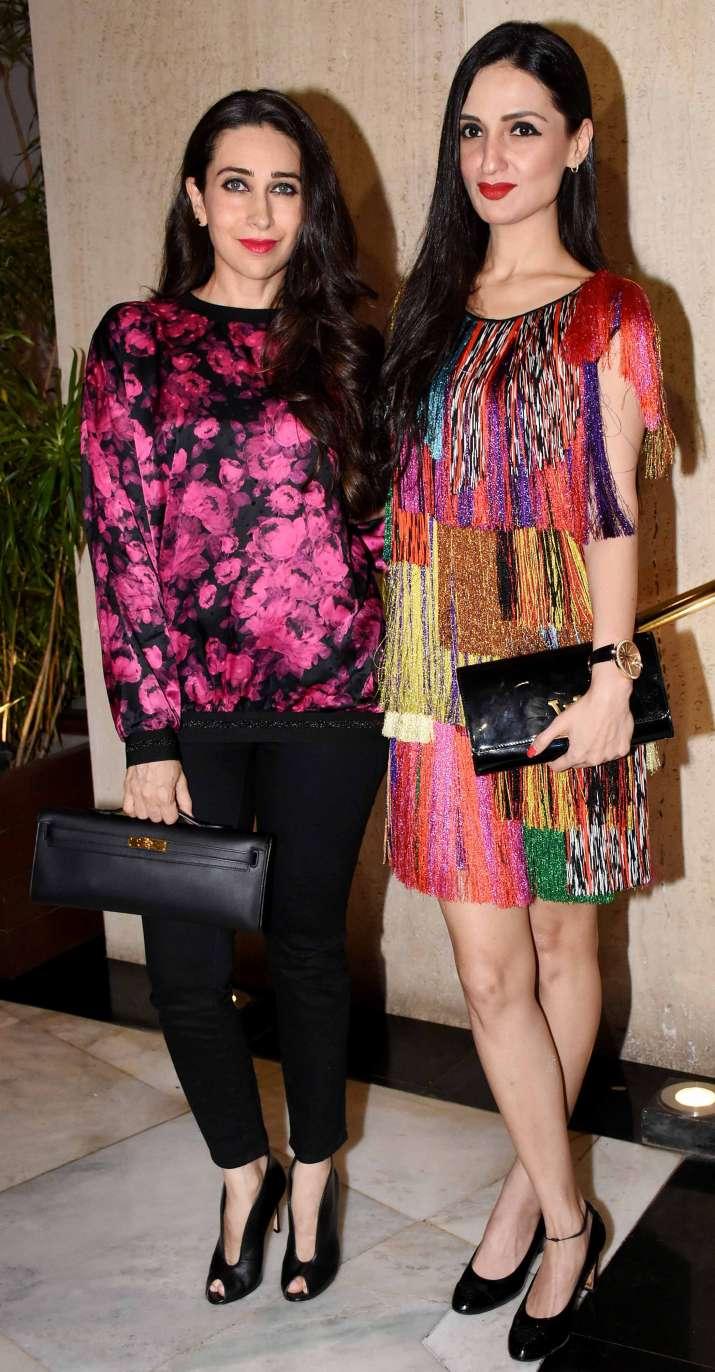 India Tv - Karisma Kapoor atManish Malhotra house party