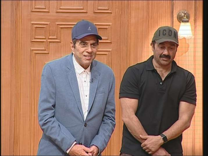 India Tv - The film will have Dharmendra and his sons Sunny Deol and Bobby Deol sharing the screen once again.