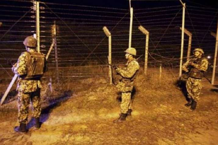 Indian Army kills two Pakistani troopers