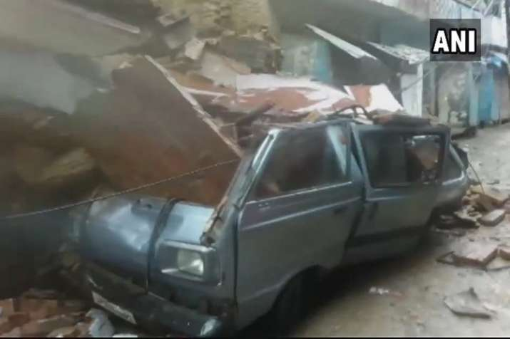 India Tv - Building collapses in Kanpur