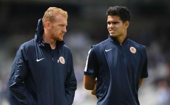India Tv - Arjun Tendulkar chats with MCC Head Coach Steve Kirby