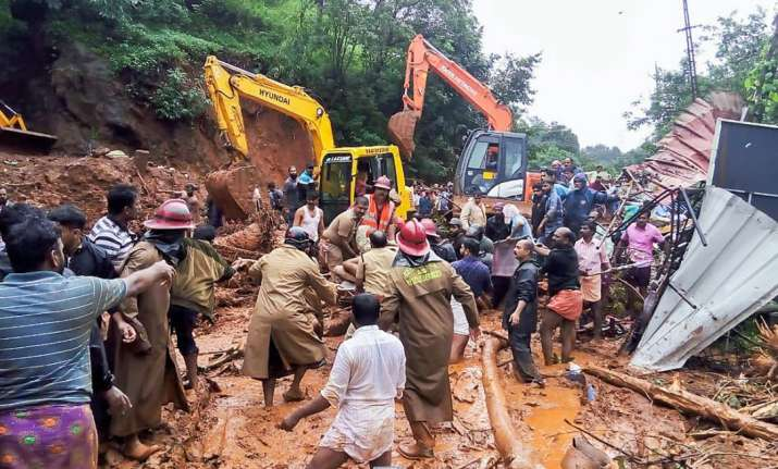 India Tv - Idukki: Rescue operations being carried out following a landslide, triggered by heavy rains at Adimali