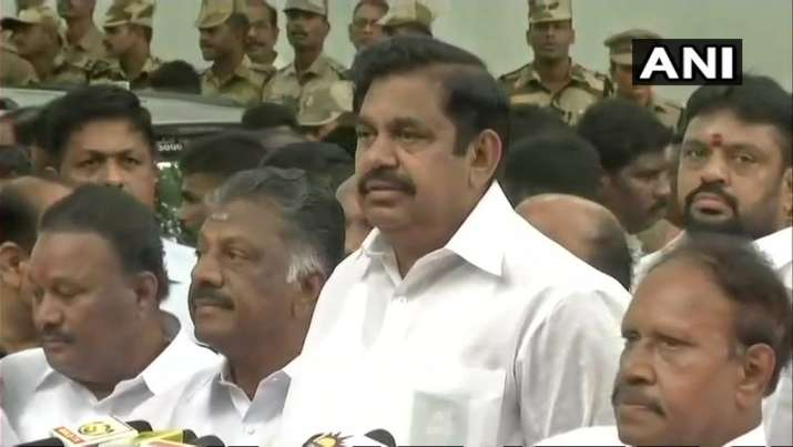 India Tv - Tamil Nadu CM E Palaniswami at Rajaji Hall, where the mortal remains of DMK chief Karunanidhi have been kept