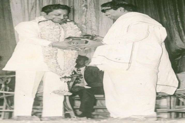 India Tv - Apart from a successful political career, he enjoyed a successful stint in Tamil film industry as a screenwriter. Karunanidhi with Sivaji Ganeshan.