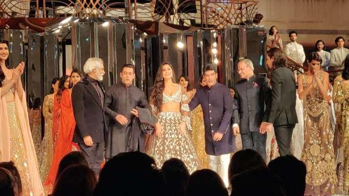 India Tv - Manish Malhotrashow