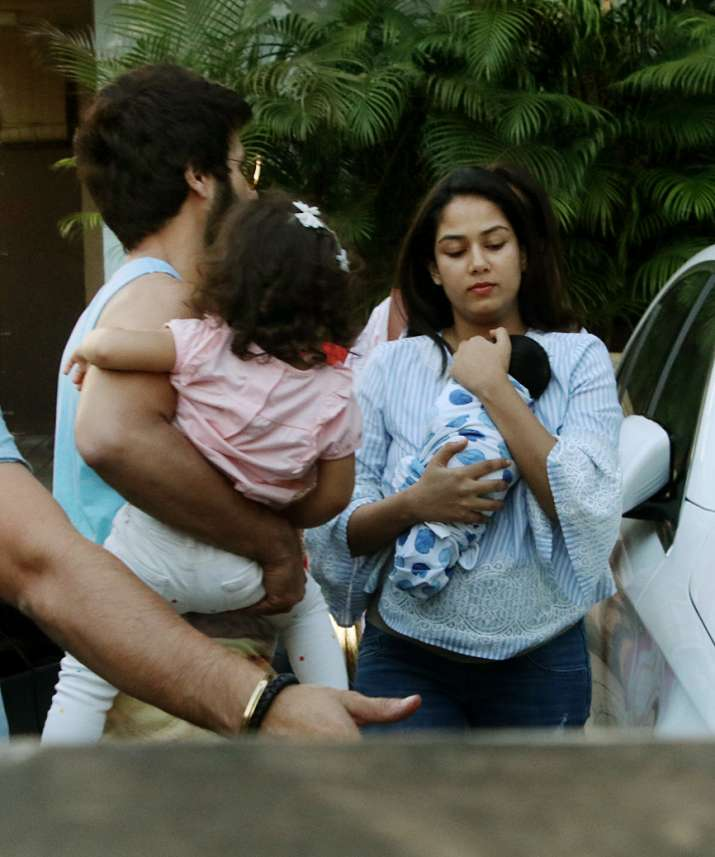 India Tv - Shahid Kapoor and Mira Rajput arrive home with baby Zain on Friday.