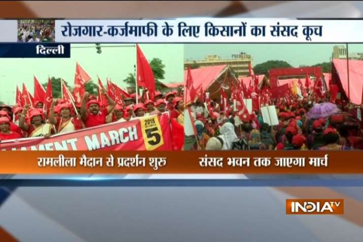 Thousands have gathered for Kisan Rally in Ramilila Maidan.