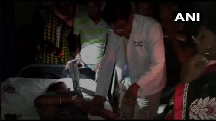 Odisha: Power crisis forces doctors to treat patients in