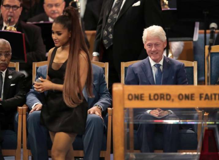Bill Clinton Is Ruling The Meme World After Ariana Grande S Performance Read These Hilarious Tweets Buzz News India Tv