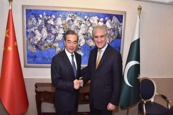 China's Foreign Minister Wang Yi with his Pak counterpart
