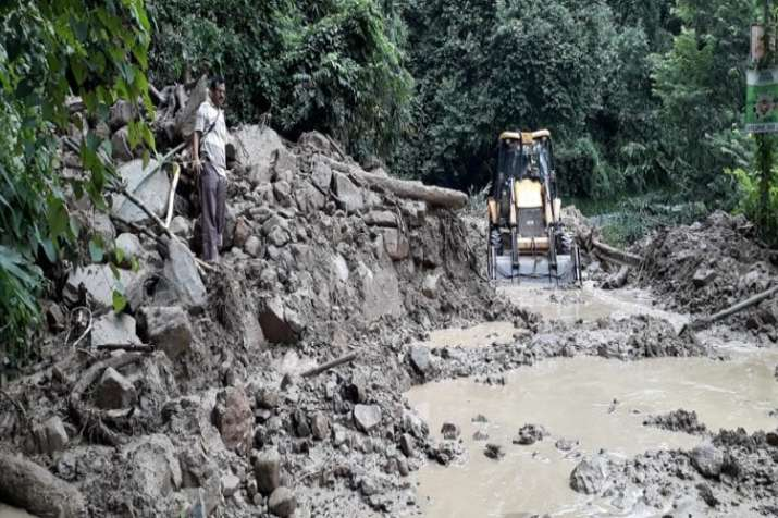 West Bengal: Heavy and incessant rainfall results in