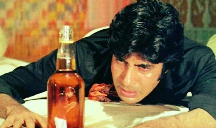 India Tv - Amitabh Bachchan in movie Sharabi