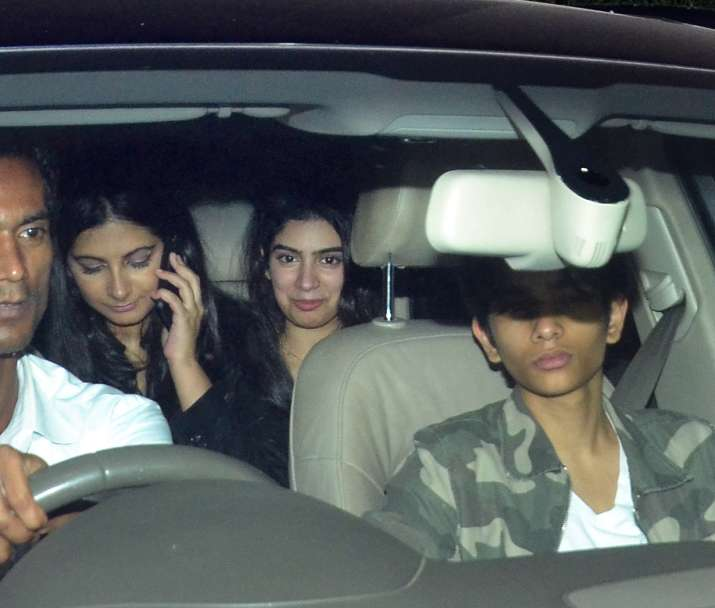 India Tv - Rhea Kapoor, Khushi Kapoor attend Sandeep Khosla's house party together
