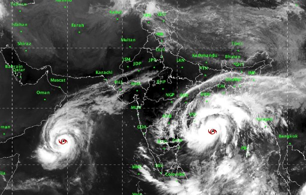 India Tv - Cyclone Titli has been upgraded to 'very severe cyclonic storm'. Land fall is expected at 5.30 am tomorrow in south Odisha: IMD