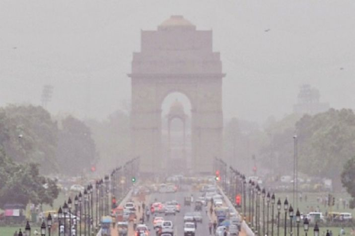 Air quality in Delhi takes a nose dive, forecast projects further deterioration: Check health advisory