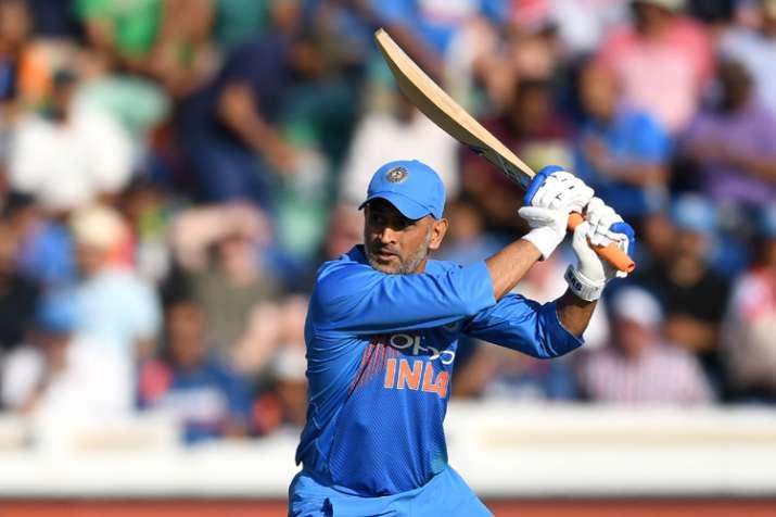 INDvWI: वनडे श्रृंखला से बाहर हो सकते है महेंद्र सिंह धोनी, युवा पंत को मिलेगा मौका