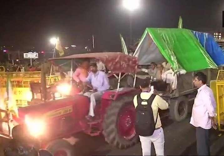 Delhi Police opened barricades to allow agitating farmers
