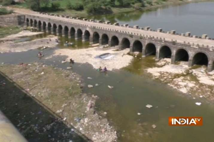 India Tv - Water bodies have started to dry up in Vidarbha, Marathwada regions of Maharashtra. (India TV)