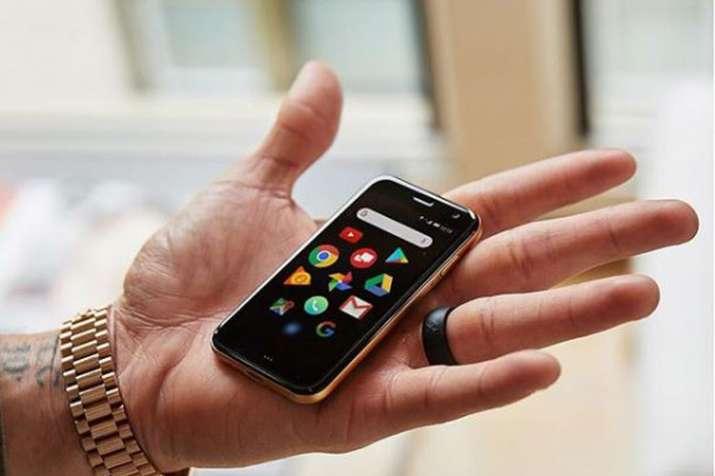 93fee5a4dac Meet the Palm Phone