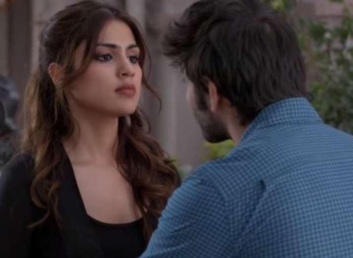 India Tv - Rhea Chakraborty and Varun Mitra's everlasting tas