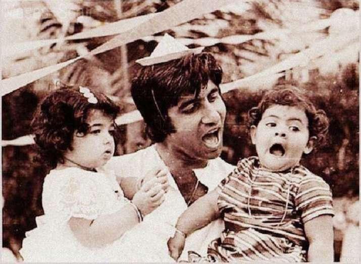 India Tv - Young Amitabh Bachchan holding his toddler Shweta Bachchan Nanda and Rajesh Khanna's daughter Twinkle Khanna