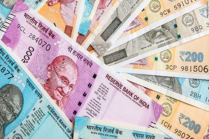 Rupee falls 38 paise to 74.06 against the US dollar in