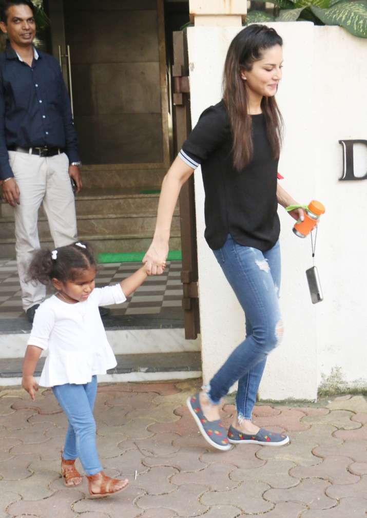 India Tv - Sunny Leone spotted with daughter Nisha.