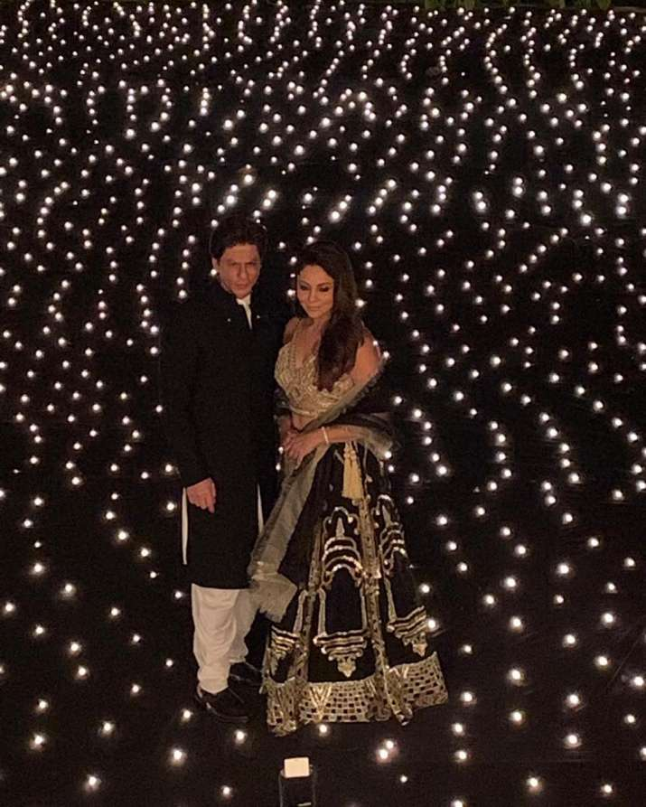 India Tv - Shah Rukh Khan and Gauri Khan looked ethereal for the Diwali celebrations