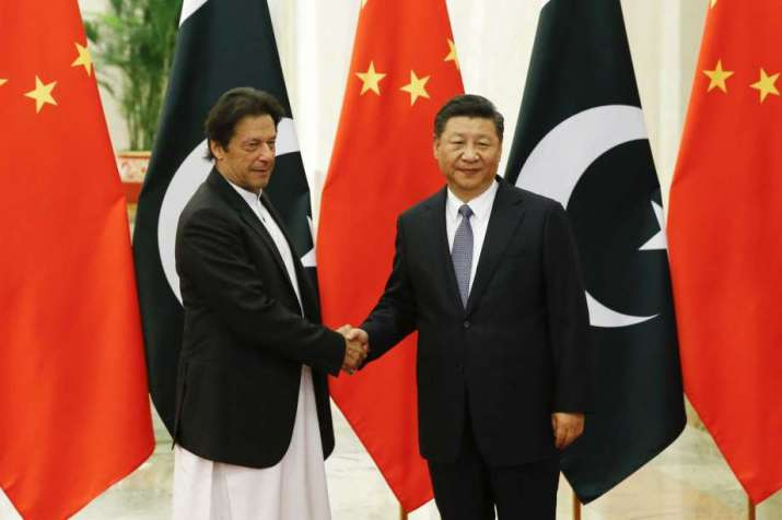 Chinese President Xi Jinping (R). Pakistani Prime Minister