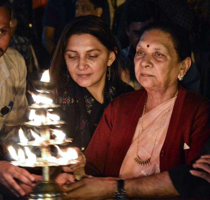 India Tv - Madhya Pradesh Governor Anandiben Patel with daughter Anar Patel perform Maha Arti on the eve of Chhath festival, at Narmada ghaat in Jabalpur on Monday