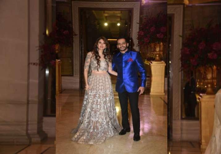 India Tv - Guests at DeepVeer's Bengaluru wedding reception