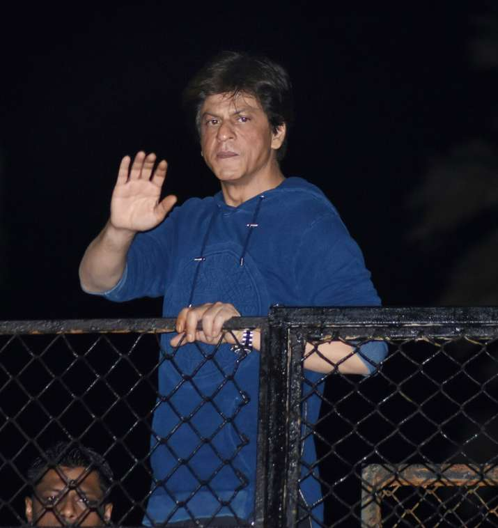 India Tv - Shah Rukh Khan greets fans outside Mannat.