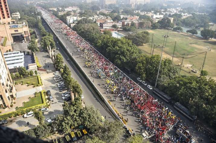 India Tv - Traffic in several parts of Delhi was hit due to the Kisan March. (Photo/PTI)