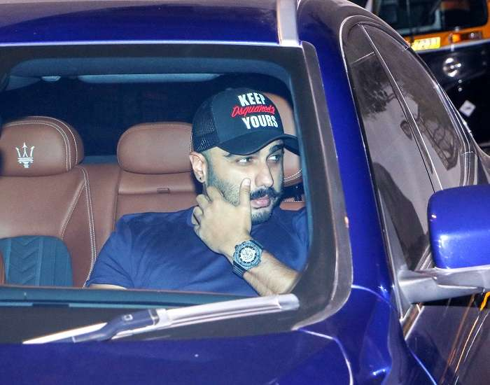 India Tv - Arjun Kapoor spotted at Amrita Arora's house.