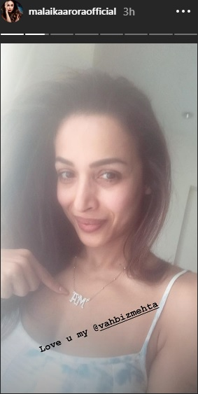India Tv - Malaika Arora flaunting AM necklace