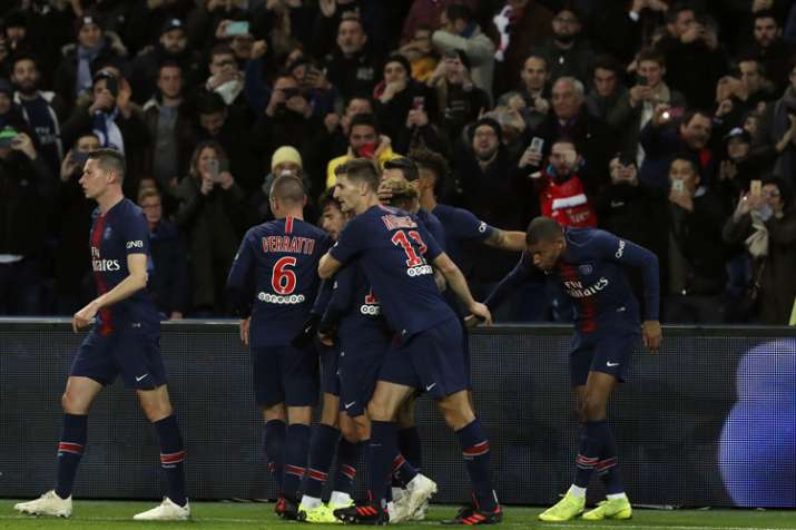 promo code 09f48 5150e French League: Mbappe and Neymar score as PSG beats Lille ...